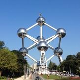 Foto vom Atomium in Brüssel mit blauem Himmel©danyloz2002 auf Pixabay