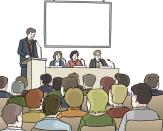 Bild von einem Podium mit einem Redner und Leuten, die auf dem Podium sitzen. viele Menschen hören zu.©Lebenshilfe für Menschen mit geistiger Behinderung Bremen e.V., Illustrator Stefan Albers, Atelier Fleetinsel, 2013