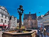 Der Brunnen auf dem Marktplatz nimmt seit dem 15. Jahrhundert eine besondere Rolle ein.©Universitätsstadt Marburg