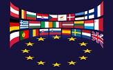 die Flaggen aller EU-Mitgliedsstaaten über dem Kreis aus Sternen©Pixabay