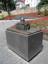 Tast-Modell Alte Synagoge beim Garten des Gedenkens©Kerstin Hühnlein